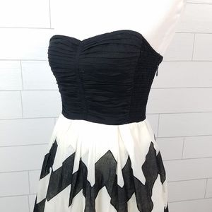 c94344dc535c3 Anthropologie Dresses - Leifnotes sz 4 Cherie Chevron Dress Black White